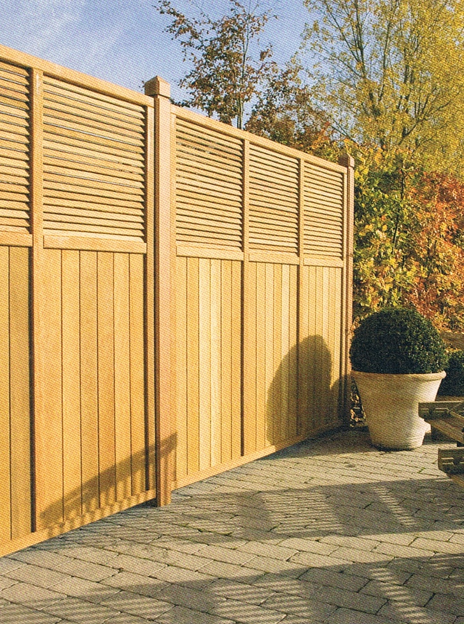 Votre terrasse Bois Frêne thermochauffé avec nature-bois-concept.com