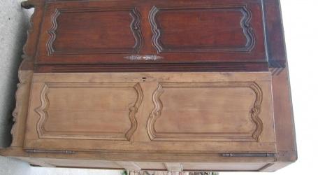 Comment nettoyer un meuble ancien ?