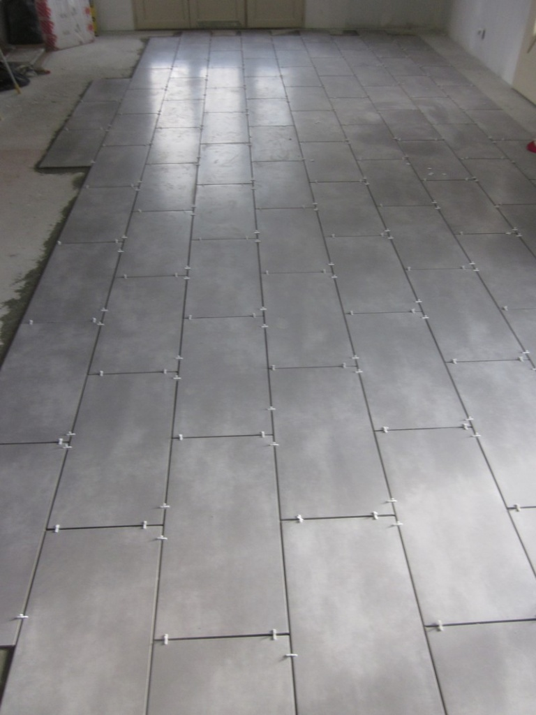Comment poser du carrelage en diagonale for Pose scellee carrelage