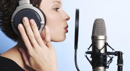 Comment faire une voix off